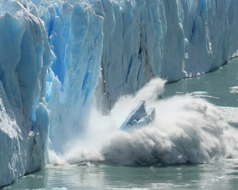 Smelting of l'Antarctica and rising sea levels