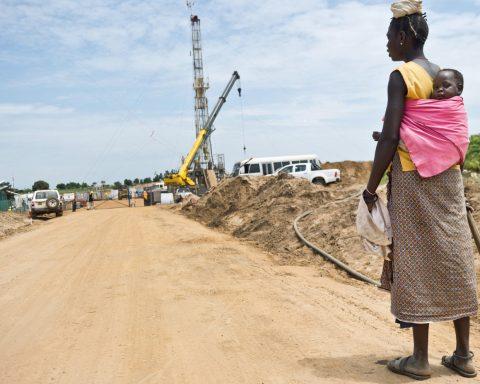 Total met en danger des dizaines de milliers d'Africains pour exploiter toujours plus de pétrole