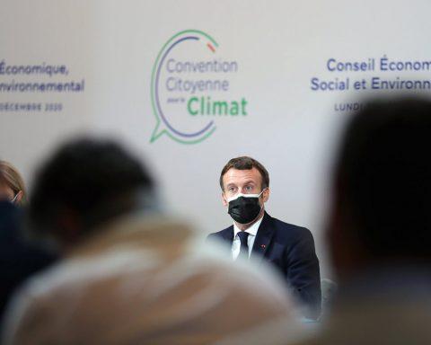Macron déçoit la Convention citoyenne mais promet un référendum sur le climat