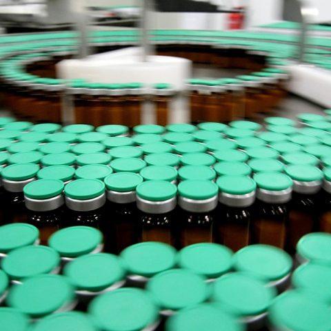 Les graves carences dans la production des vaccins sont génocidaires