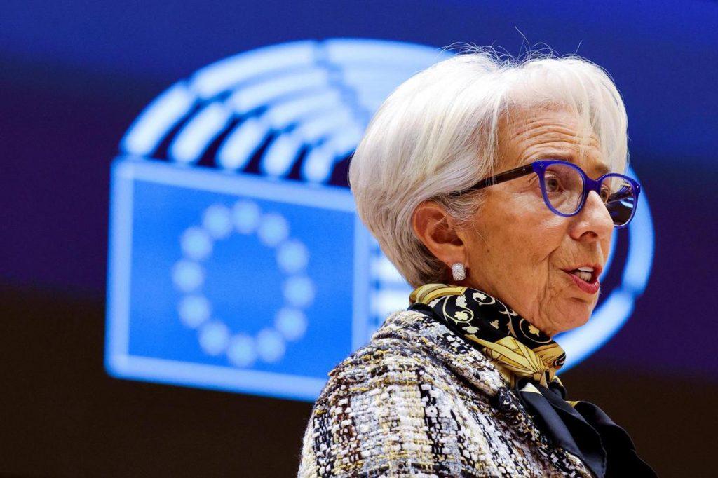 La Banque Centrale Européenne s'apprête à lâcher les énergies fossiles