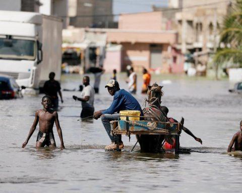 Dakar, ravagée par les inondations s'attend au pire